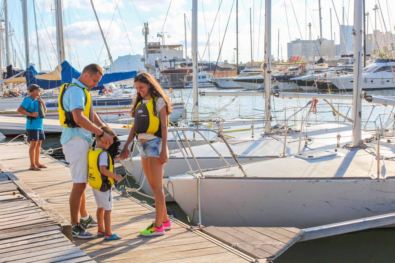 j24 sailing (2)